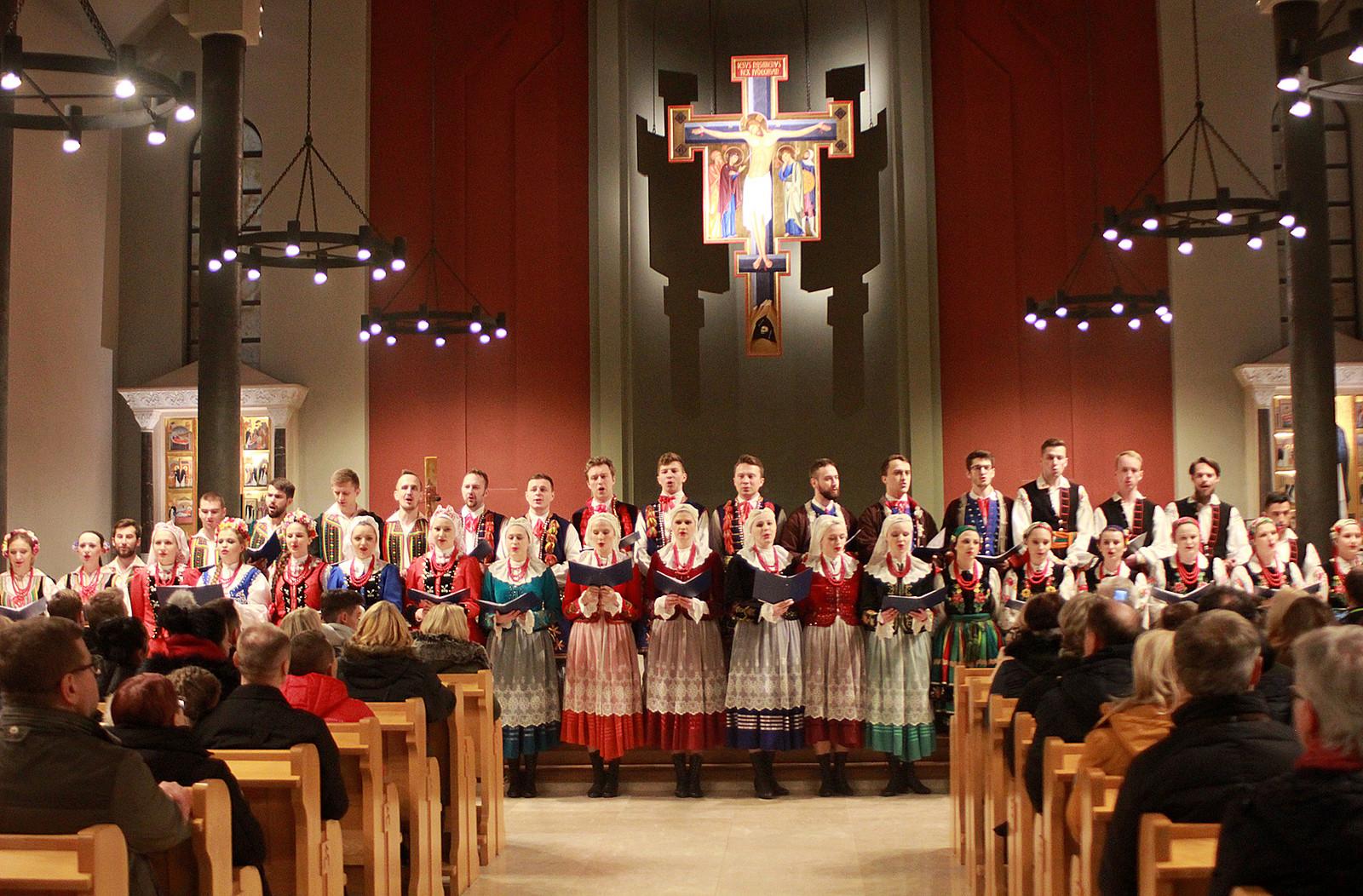 """""""POŁONINY"""" z koncertem w kościele oo. Dominikanów"""
