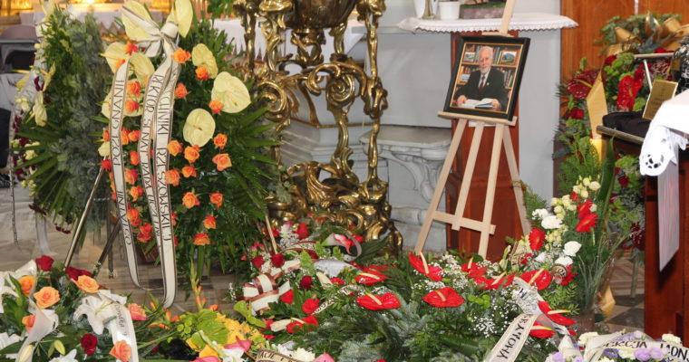 W dniu 16 lipca 2020 roku reprezentacja naszego zespołu wzięła udział we mszy świętej pogrzebowej i uroczystościach pogrzebowych śp. prof. dr hab. inż. Stanisława Kusia